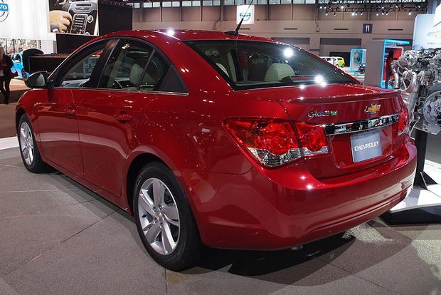 2014 Chevrolet Cruze Diesel: Chicago Auto Show featured image large thumb4