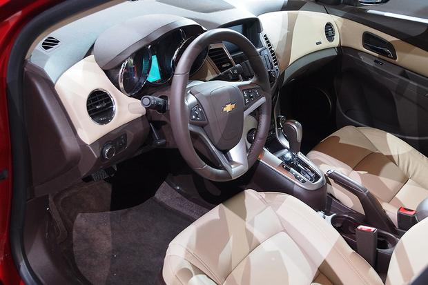 2014 Chevrolet Cruze Diesel: Chicago Auto Show featured image large thumb6