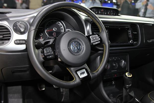 2013 Volkswagen Beetle GSR: Chicago Auto Show featured image large thumb12