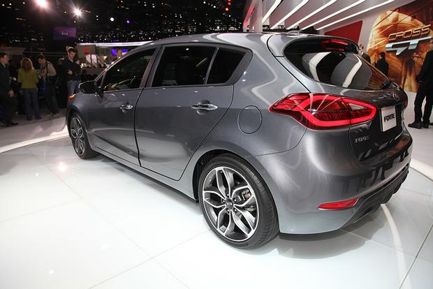 2014 Kia Forte: Chicago Auto Show featured image large thumb1