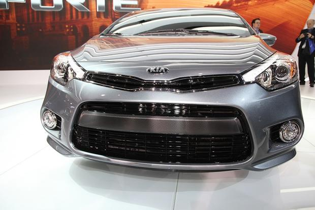2014 Kia Forte: Chicago Auto Show featured image large thumb2