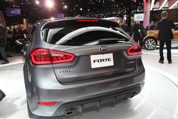 2014 Kia Forte: Chicago Auto Show featured image large thumb5