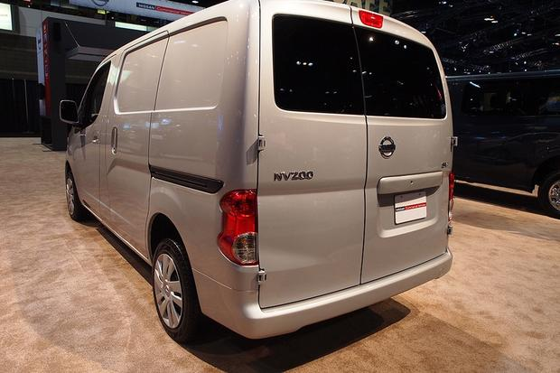 2013 Nissan NV200: Chicago Auto Show featured image large thumb3