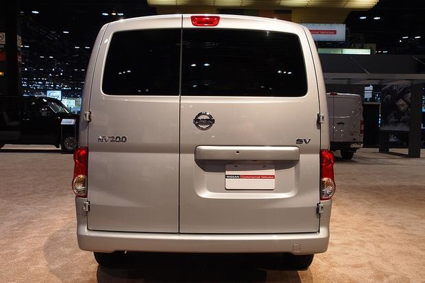 2013 Nissan NV200: Chicago Auto Show featured image large thumb4