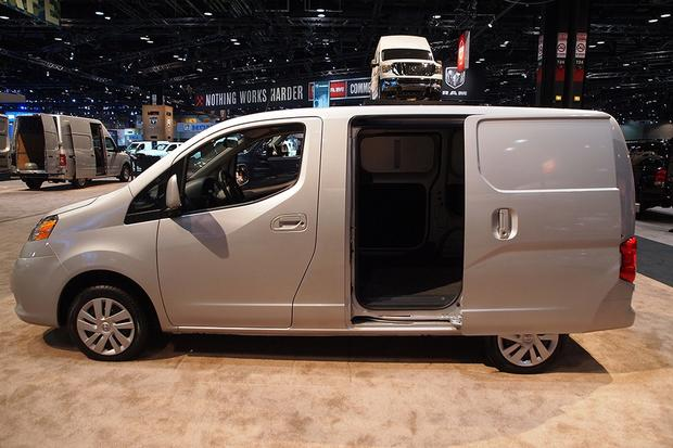 2013 Nissan NV200: Chicago Auto Show featured image large thumb6