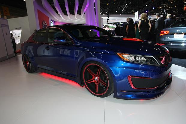 Superman-Themed 2013 Kia Optima Hybrid: Chicago Auto Show featured image large thumb2