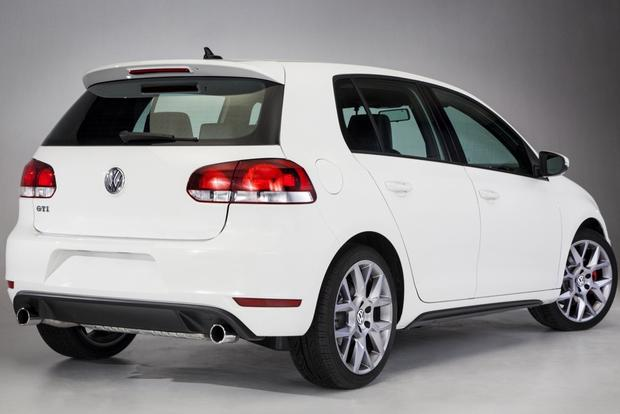 2013 Volkswagen Jetta GLI, GTI & Beetle R-Line Convertible: Chicago Auto Show featured image large thumb1