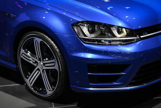 2015 Volkswagen Golf R: Frankfurt Auto Show featured image large thumb8