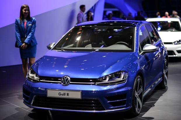 2015 Volkswagen Golf R: Frankfurt Auto Show featured image large thumb0