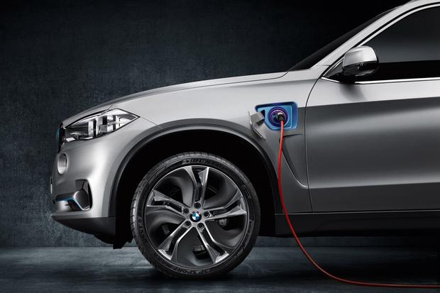 Plug-In BMW X5 eDrive Revealed Ahead of Frankfurt Show featured image large thumb1
