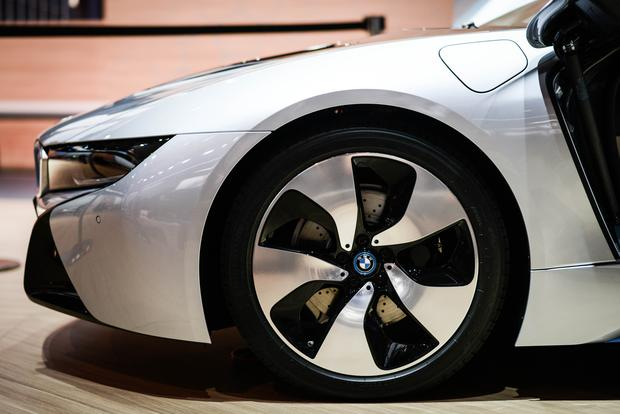 BMW i8: Frankfurt Auto Show featured image large thumb3