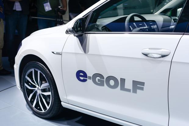 Volkswagen e-Golf: Frankfurt Auto Show featured image large thumb4