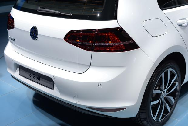 Volkswagen e-Golf: Frankfurt Auto Show featured image large thumb7