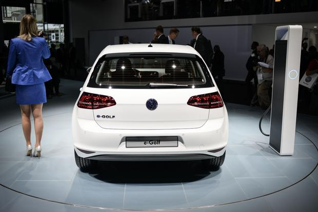 Volkswagen e-Golf: Frankfurt Auto Show featured image large thumb9