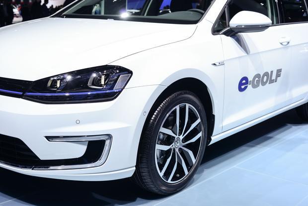 Volkswagen e-Golf: Frankfurt Auto Show featured image large thumb1