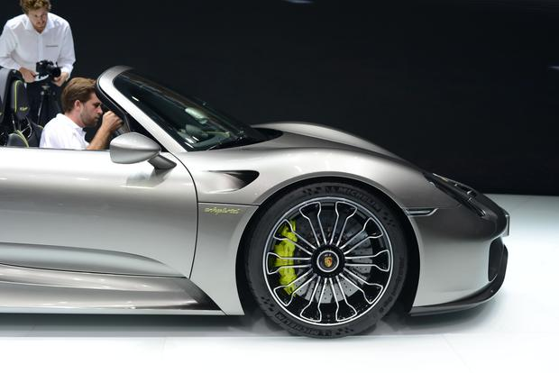 Porsche 918 Spyder: Frankfurt Auto Show featured image large thumb5