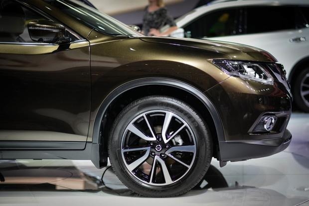 2014 Nissan Rogue: Frankfurt Auto Show featured image large thumb0