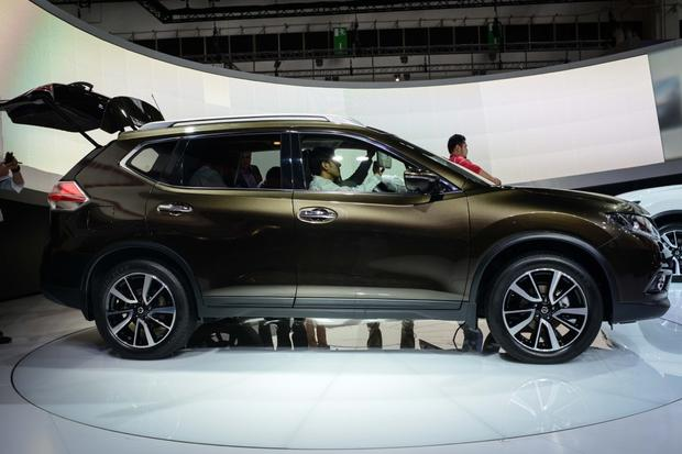 2014 Nissan Rogue: Frankfurt Auto Show featured image large thumb5