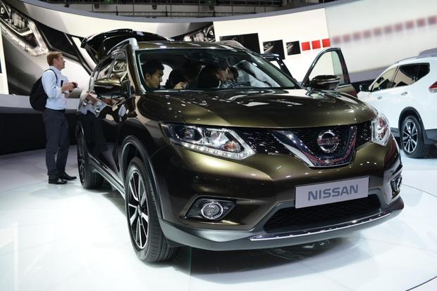2014 Nissan Rogue: Frankfurt Auto Show featured image large thumb6