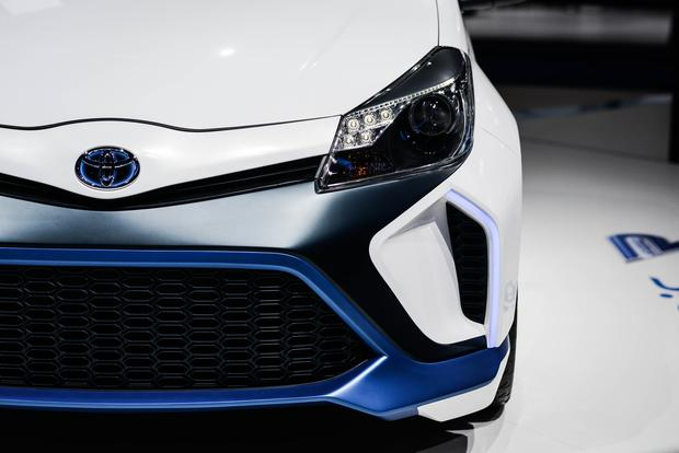 Toyota Yaris Hybrid-R Concept: Frankfurt Auto Show featured image large thumb3