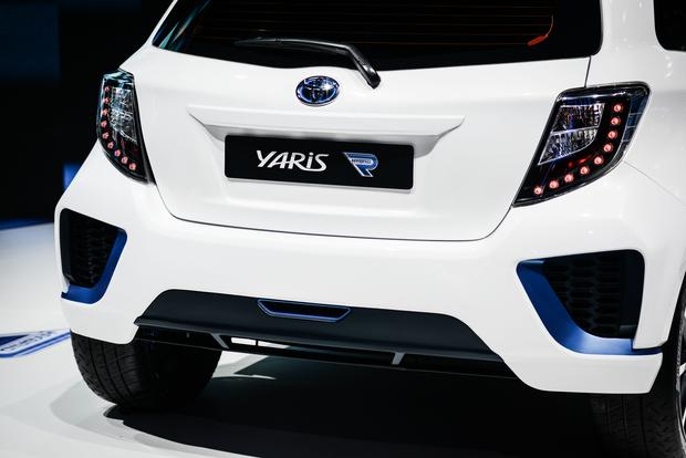 Toyota Yaris Hybrid-R Concept: Frankfurt Auto Show featured image large thumb4