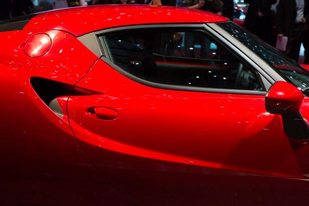 2014 Alfa Romeo 4C: Geneva Auto Show featured image large thumb6
