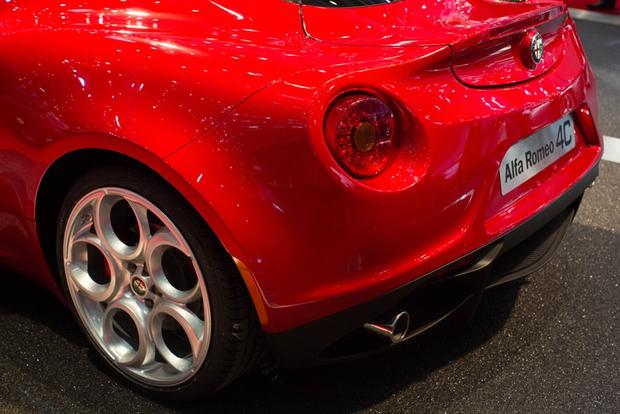 2014 Alfa Romeo 4C: Geneva Auto Show featured image large thumb1