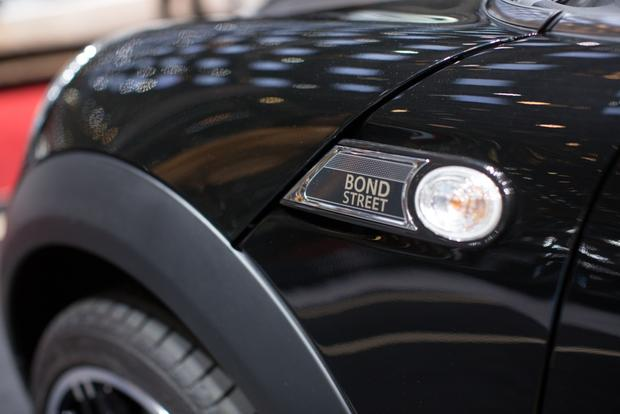 2014 MINI Clubman Bond Street Bows in Geneva featured image large thumb2