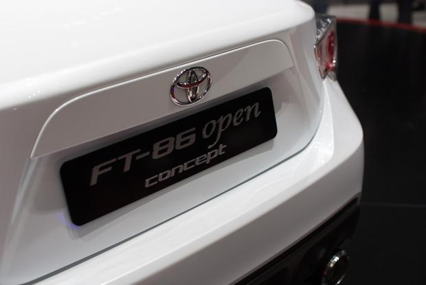 2013 Geneva Auto Show: Toyota FT-86 Open Concept featured image large thumb4
