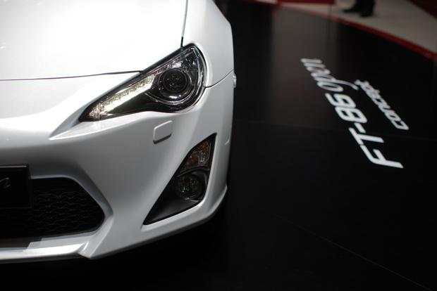 2013 Geneva Auto Show: Toyota FT-86 Open Concept featured image large thumb7
