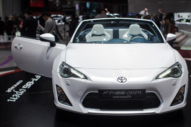 2013 Geneva Auto Show: Toyota FT-86 Open Concept featured image large thumb11