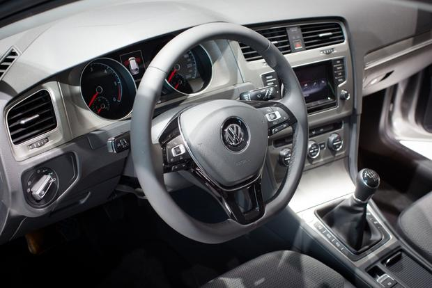 2014 VW Golf Wagon: Geneva Auto Show featured image large thumb4