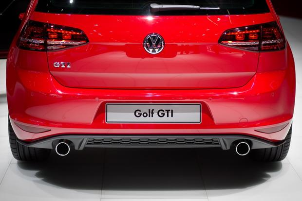 2014 VW GTI: Geneva Auto Show featured image large thumb2