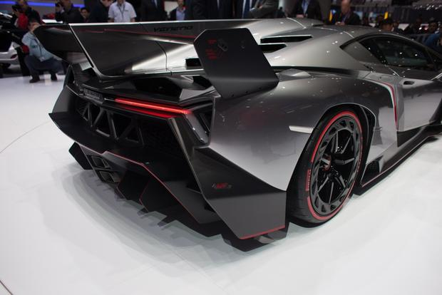 Lamborghini Veneno: 2013 Geneva Auto Show featured image large thumb2