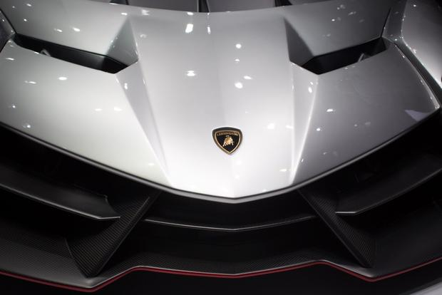 Lamborghini Veneno: 2013 Geneva Auto Show featured image large thumb3