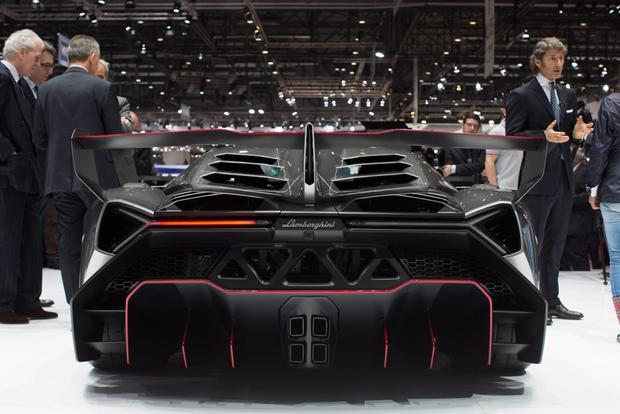 Lamborghini Veneno: 2013 Geneva Auto Show featured image large thumb5