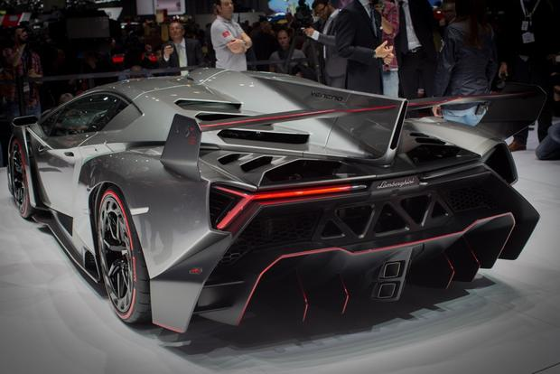 Lamborghini Veneno: 2013 Geneva Auto Show featured image large thumb6