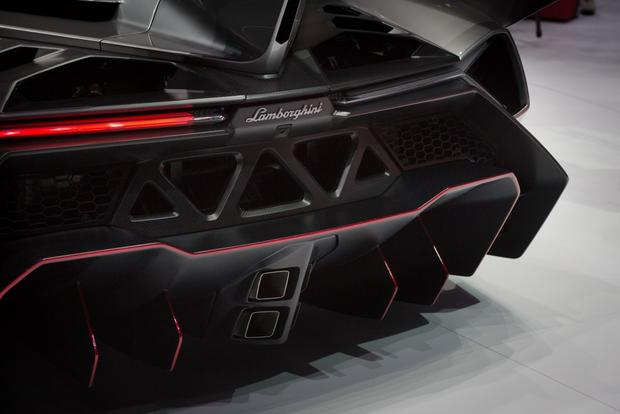 Lamborghini Veneno: 2013 Geneva Auto Show featured image large thumb8