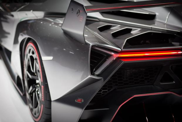 Lamborghini Veneno: 2013 Geneva Auto Show featured image large thumb10