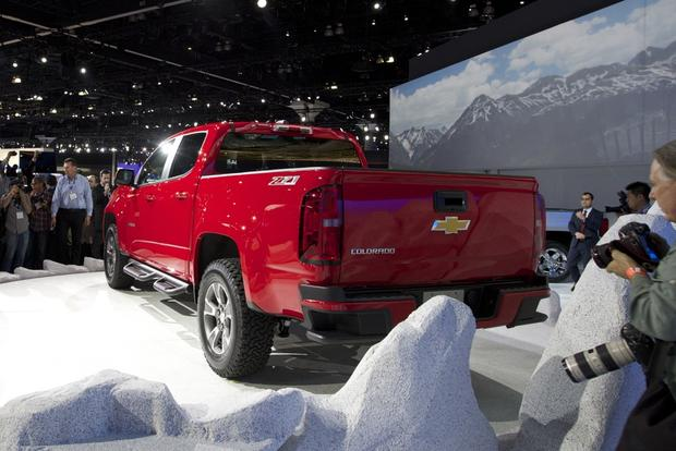 2015 Chevrolet Colorado: LA Auto Show featured image large thumb1