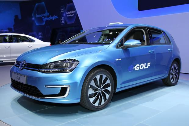 2015 Volkswagen e-Golf: LA Auto Show featured image large thumb1