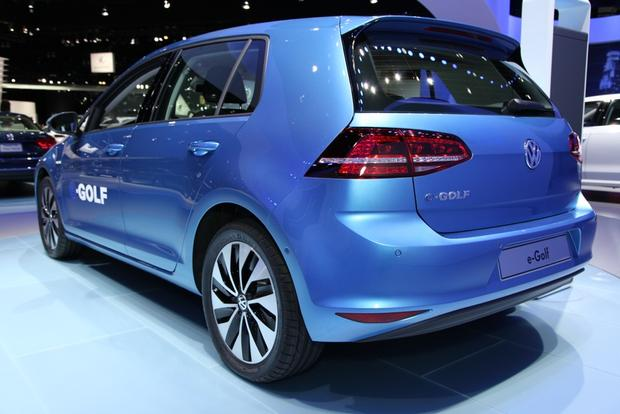 2015 Volkswagen e-Golf: LA Auto Show featured image large thumb2