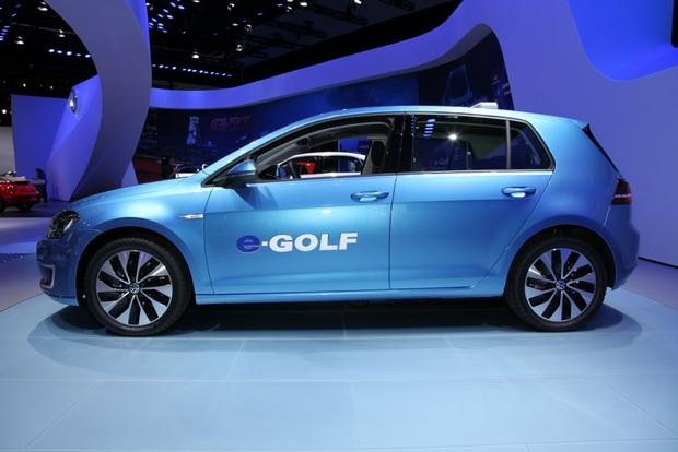 2015 Volkswagen e-Golf: LA Auto Show featured image large thumb3