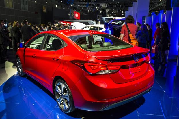 2014 Hyundai Elantra: LA Auto Show featured image large thumb1