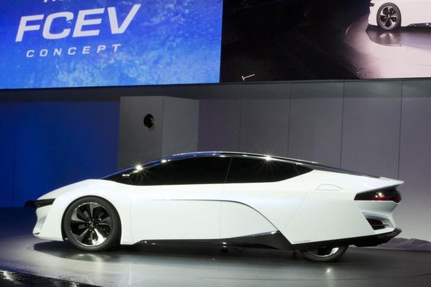 Honda FCEV Concept: LA Auto Show featured image large thumb0