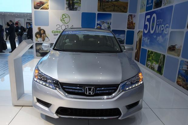 Honda Accord Hybrid and PHEV Win Green Car of the Year: LA Auto Show featured image large thumb2