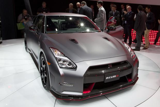 2015 Nissan GT-R: LA Auto Show featured image large thumb1
