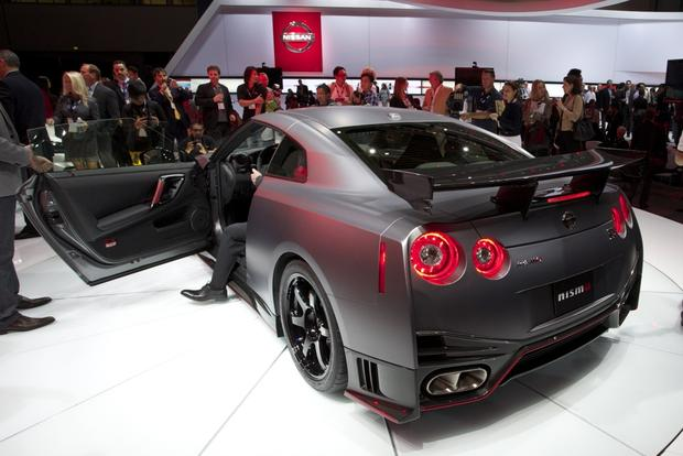 2015 Nissan GT-R: LA Auto Show featured image large thumb2