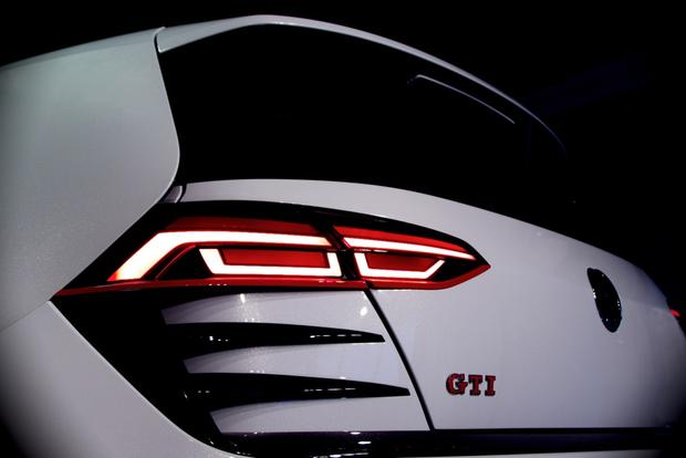 Volkswagen Design Vision GTI Concept: LA Auto Show featured image large thumb0