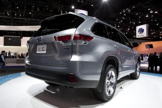 2014 Toyota Highlander: LA Auto Show featured image large thumb0